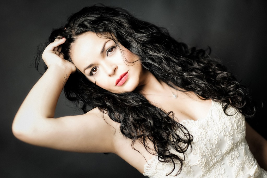 Cristina, una novia muy sexy